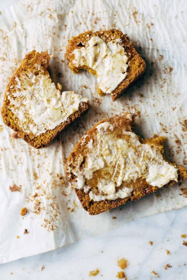 pumpkin-bread-with-butter-honey-600x900