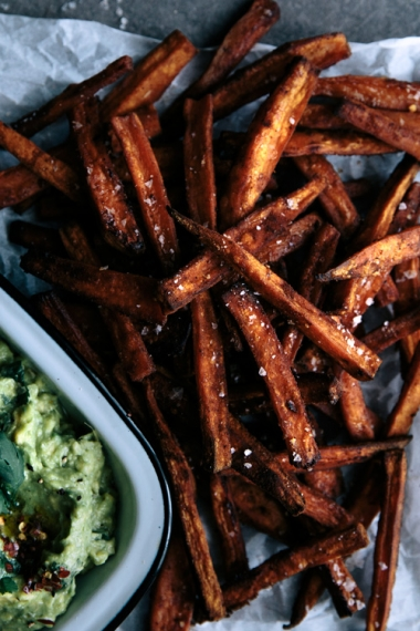 09-spicy-sweet-potato-fries-with-coconut-and-lime-avocado-close
