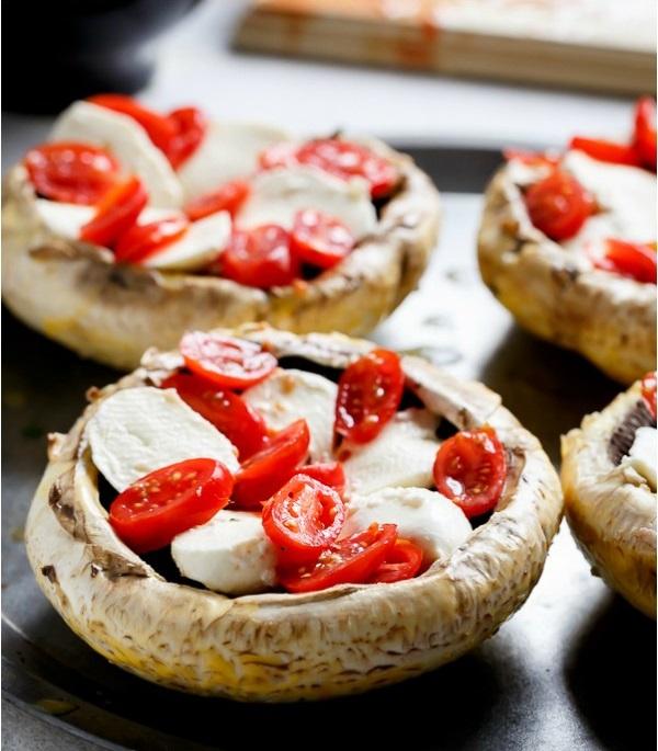Caprese-Stuffed-Garlic-Butter-Portobellos (1)