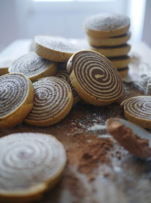 Chocolate-and-vanilla-shortbread-spiral1 (2)