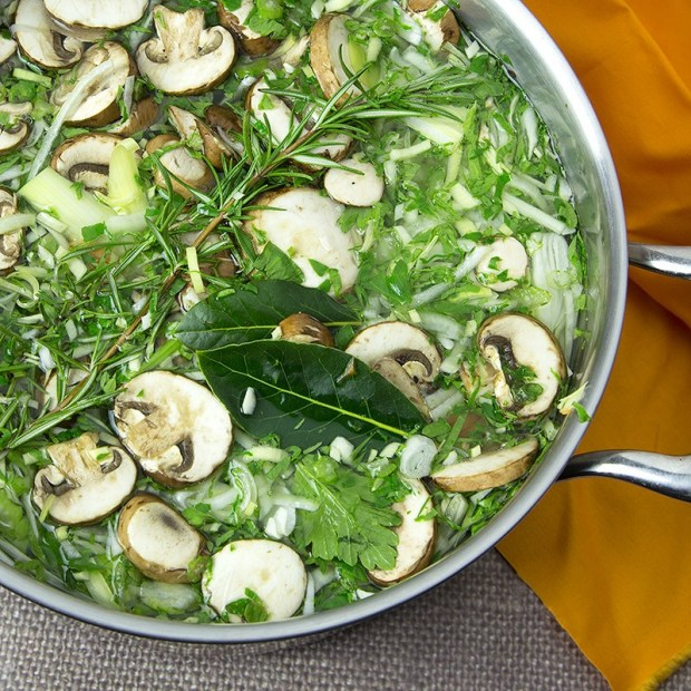 Gut-Healing-Vegetable-Stock-Om-Nom-Ally