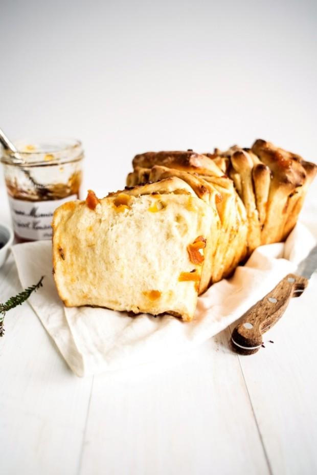 apricot-and-lavender-marmalade-pull-apart-bread-5-684x1024