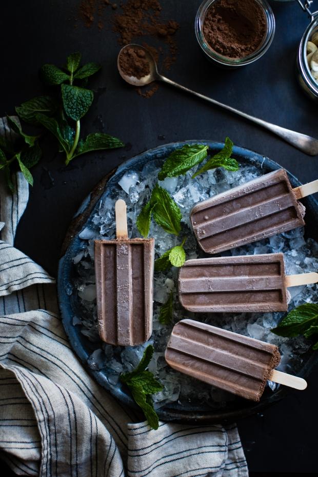 creamy-chocolate-mint-popsicles-vegan