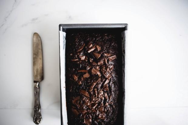 dark-chocolate-and-walnut-zucchini-bread-7-940x627