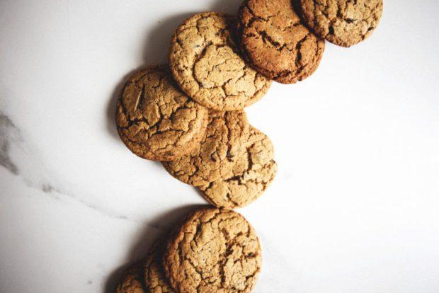 dark-chocolate-chunk-rye-and-sour-cherry-cookie-ice-cream-sandwiches-3-768x513
