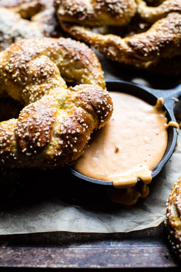 pumpkin-beer-pretzels-with-chipotle-queso-5