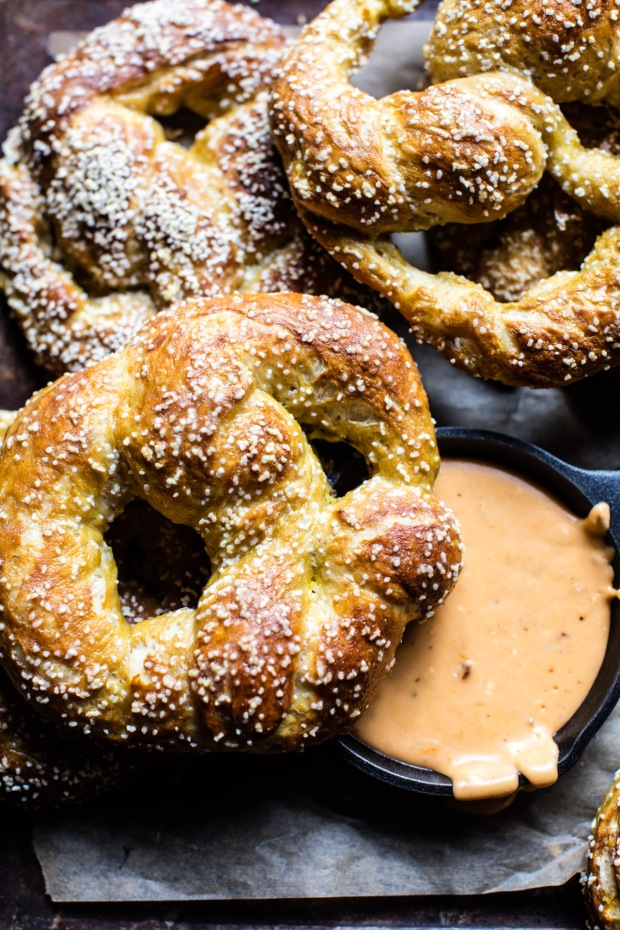 pumpkin-beer-pretzels-with-chipotle-queso-7