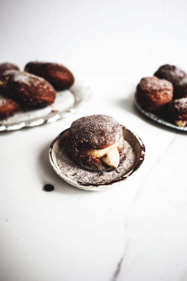 white-chocolate-and-tiramisu-doughnuts-9-684x1024