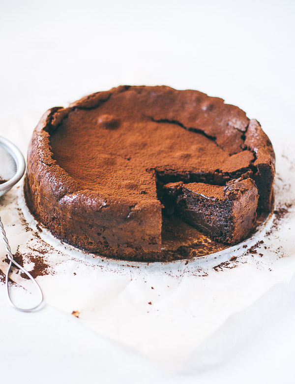 chocolatealmondcake-1