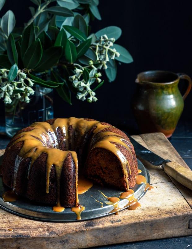 mothers-day-bundt-cakecrop-copy