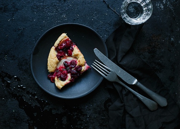 pear-cranberries-ble-cheese-thyme-omelette-2