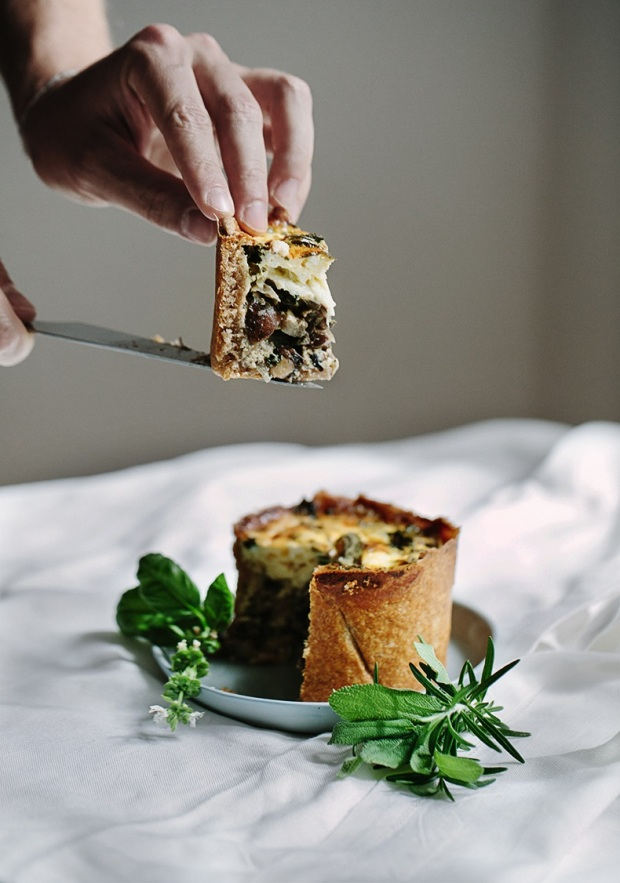 breakfast-quiche-with-spinach-mushrooms-and-herbs-9