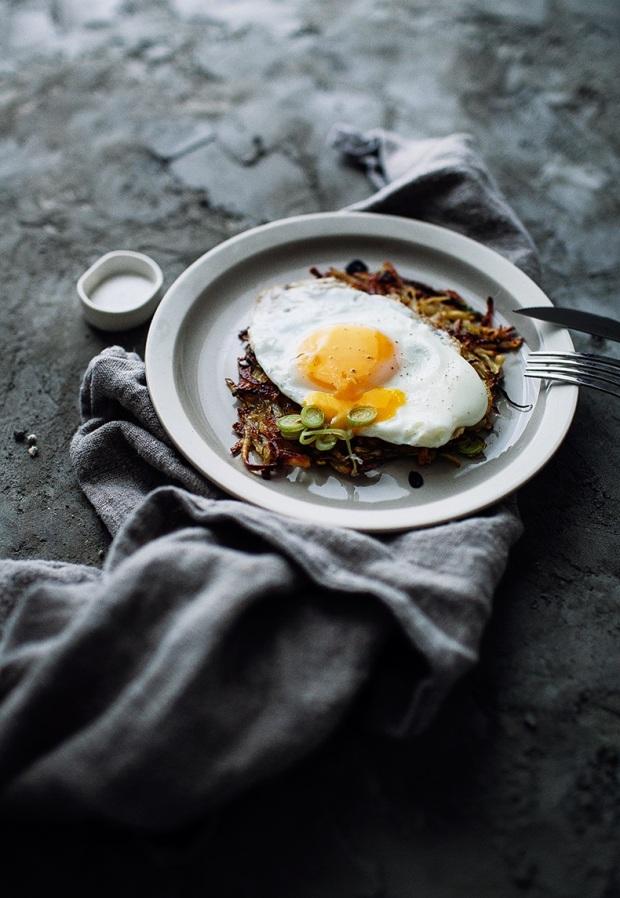 potato-pancakes-with-egg-8