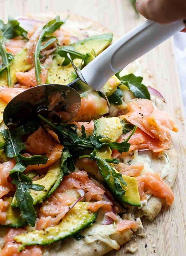 smoked-salmon-and-avocado-pizza-22