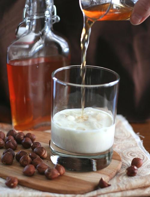 homemade-hazelnut-liqueur-1