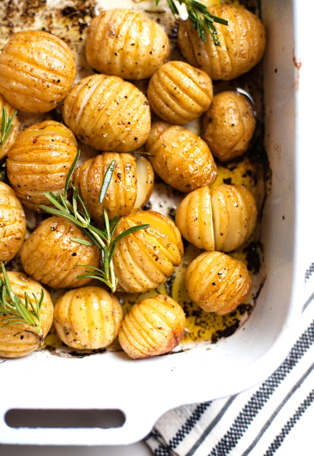 Rosemary-Roasted-Baby-Potatoes-9994